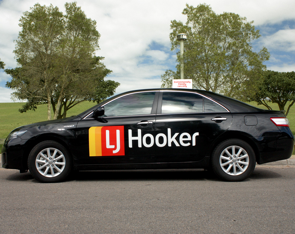 lj-hooker-eco-car-vehicle-signage-7